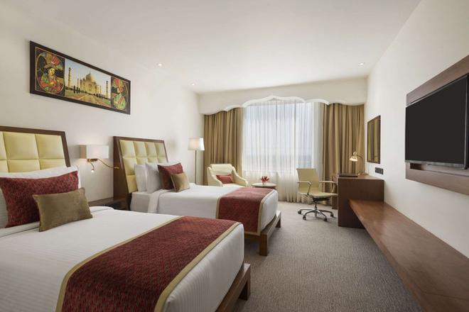 Ramada Plaza by Wyndham Agra - Āgra - Bedroom