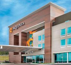 La Quinta Inn & Suites by Wyndham Cleveland TN