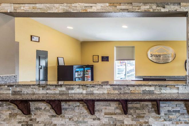 Suburban Extended Stay Hotel - Fort Wayne - Lobby