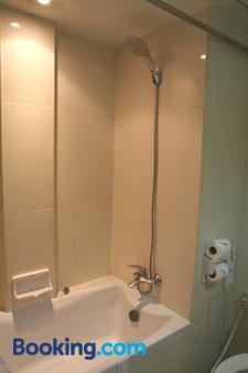Grand Inn Hotel - Μπανγκόκ - Μπάνιο