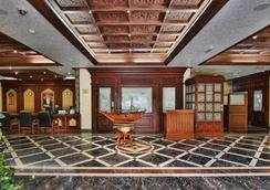 OYO 103 Hotel Golden Oasis - Mascate - Lobby