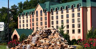 Country Cascades Waterpark Resort - Pigeon Forge - Building