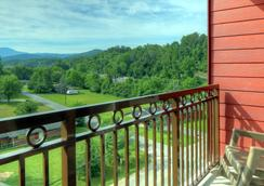 Country Cascades Waterpark Resort - Pigeon Forge - Parveke