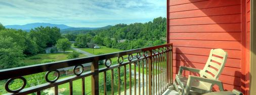 Country Cascades Waterpark Resort - Pigeon Forge - Balcony