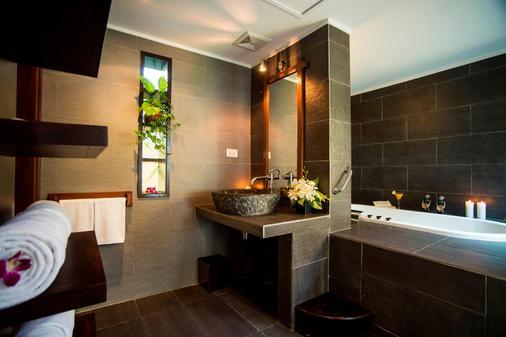 Victoria Hoi An Beach Resort & Spa - Hoi An - Bathroom