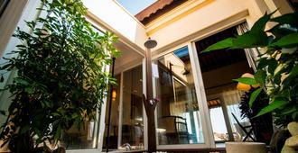 Victoria Hoi An Beach Resort & Spa - Hoi An - Building