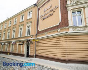 Hotel Starka - Oppeln - Gebäude
