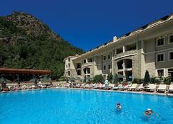 Julian Forest Suites - Icmeler - Pool