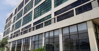 N1 Hotel Tanah Abang - Jakarta - Building