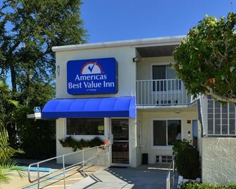 Americas Best Value Inn Bradenton Sarasota - Bradenton - Gebäude
