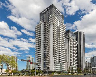 Meriton Suites Broadbeach - Broadbeach - Building