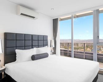 Meriton Suites Broadbeach - Broadbeach - Bedroom