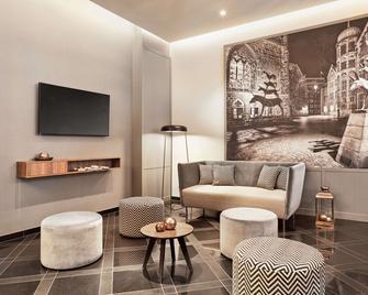 H+ Hotel Bremen - Bremen - Living room