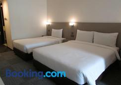 新加坡斯特蘭德酒店 - 新加坡 - 臥室
