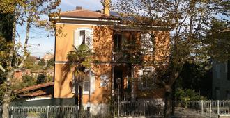 Villa Liberty Urbino - Urbino - Building