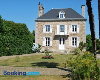 B&b Le Mesnil - Avranches - Building