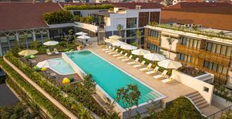 The Aviary Hotel - סיאם ריפ - בריכה