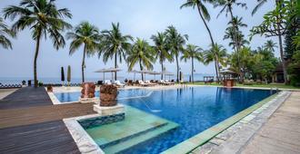 拉瑪卡迪達薩度假酒店 - 曼格斯 - 曼格斯 - 游泳池