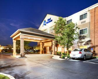 Best Western Hilliard Inn & Suites - Hilliard - Building