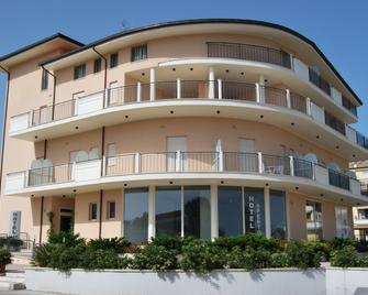 Hotel Europa - Corropoli - Building
