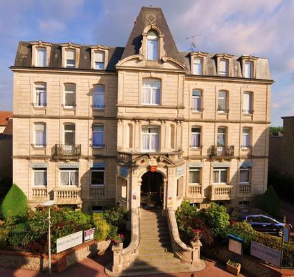 Nouvel Hôtel - Bagnoles-de-l'Orne-Normandie - Κτίριο