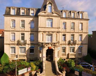 Nouvel Hôtel - Bagnoles-de-l'Orne-Normandie - Gebäude