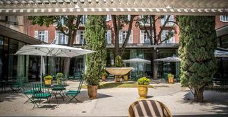 Maison Albar Hotels L'Imperator - Nimes - Patio