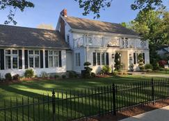 Greenview Manor Luxury Bed & Breakfast - Niagara-on-the-Lake - Building