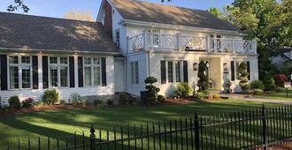 Greenview Manor, Luxury Bed & Breakfast - ניאגרה און-דה-לייק - בניין