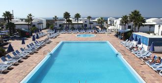 Vik Club Coral Beach - Playa Blanca - Pool