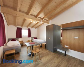 Ferienwohnungen Weinstadt - Weinstadt - Bedroom