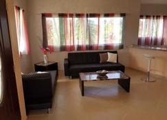 Quiet location near the beach for max. 6 persons - Río San Juan - Living room