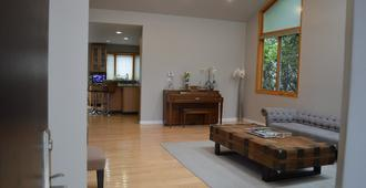 Gorgeous Modern Home Beverly Hills Adj! Walk To Century City Mall & Rodeo Dr!! - Los Ángeles - Sala de estar