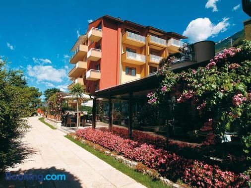 杜雷克酒店 - 加爾達湖畔布倫佐內 - 布冷佐奈 - 建築