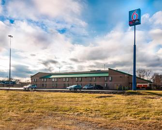Motel 6 Chicago South Lansing - Lansing - Building