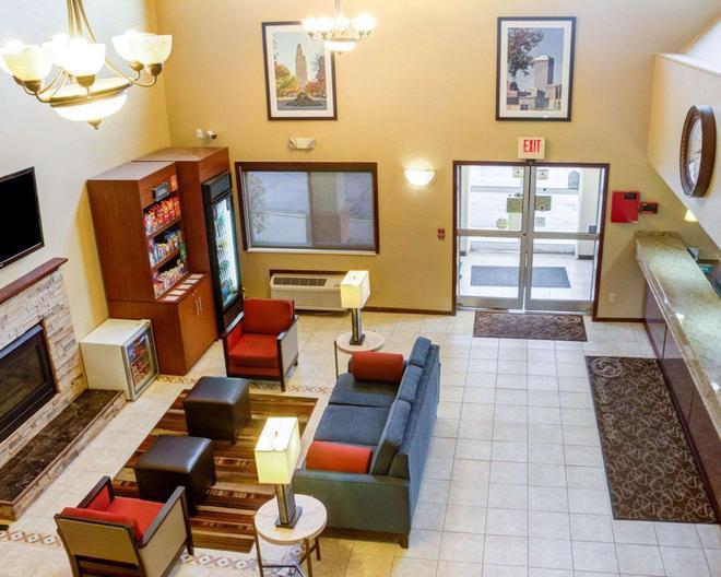Comfort Suites - Omaha - Lobby