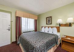 Days Inn & Suites by Wyndham Springfield on I-44 - Springfield - Κρεβατοκάμαρα