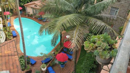Woodmere Serviced Apartments - Nairobi - Pool