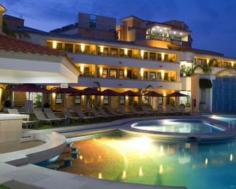 Excelaris Grand Resort Conventions And Spa - Tequesquitengo - Pool