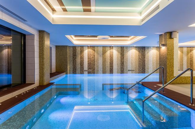 輝煌酒店 - 康斯坦沙 - 馬馬亞 - 游泳池
