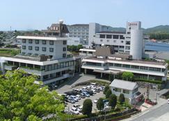 تامانا أونسن هوتل شيراساجي - كوماموتو - مبنى