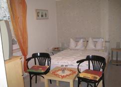 Waldgaststatte Sennhutte - Bad Frankenhausen - Bedroom