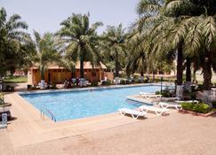 Dunia Hôtel Bissau - Bissau - Piscina
