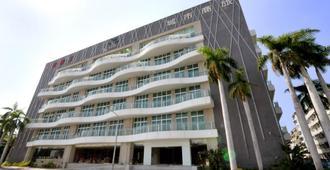 City Suites - Kaohsiung Chenai - קאושיונג - בניין