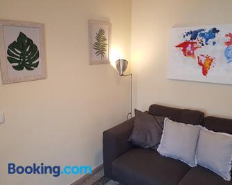 Páteo Badajoz - Colares - Living room