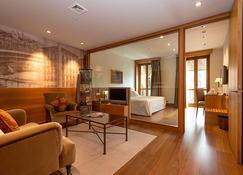 Gran Hotel La Perla - Pamplona - Living room