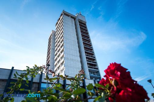 Hotel Arpezos - Kardzhali - Building