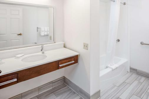 Hampton Inn & Suites Atlanta/Duluth/Gwinnett - Duluth - Bathroom