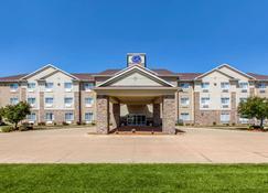 Comfort Suites - Cedar Falls - Building