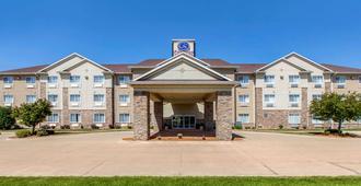Comfort Suites Cedar Falls - Cedar Falls